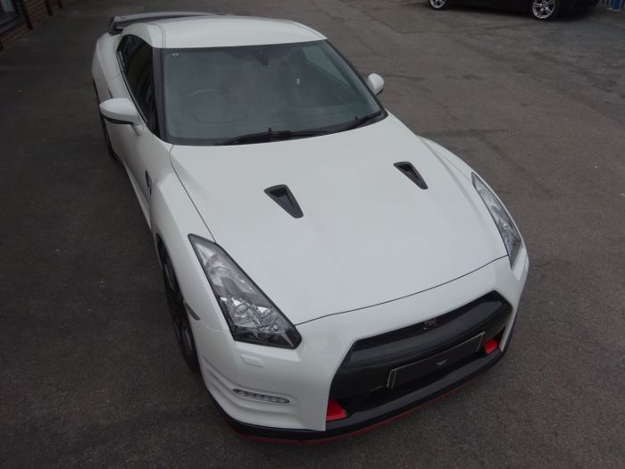 Nissan GT-R 3.8 NISMO STYLING DIAMOND WHITE RECARO EDITION CARBON FIBRE UPGRADES 650 BHP BY AC SPEEDTECH Coupe Petrol White